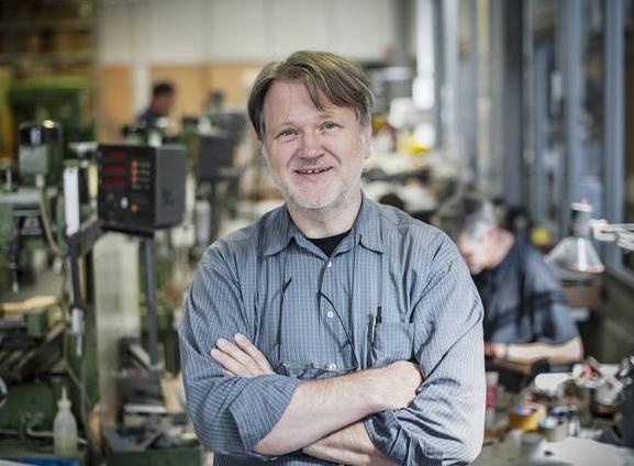 Ist Hans Constin der deutsche Elon Mask? Artikel im Mobility Mag über den Erfinder des Wechselakkus GreenPack