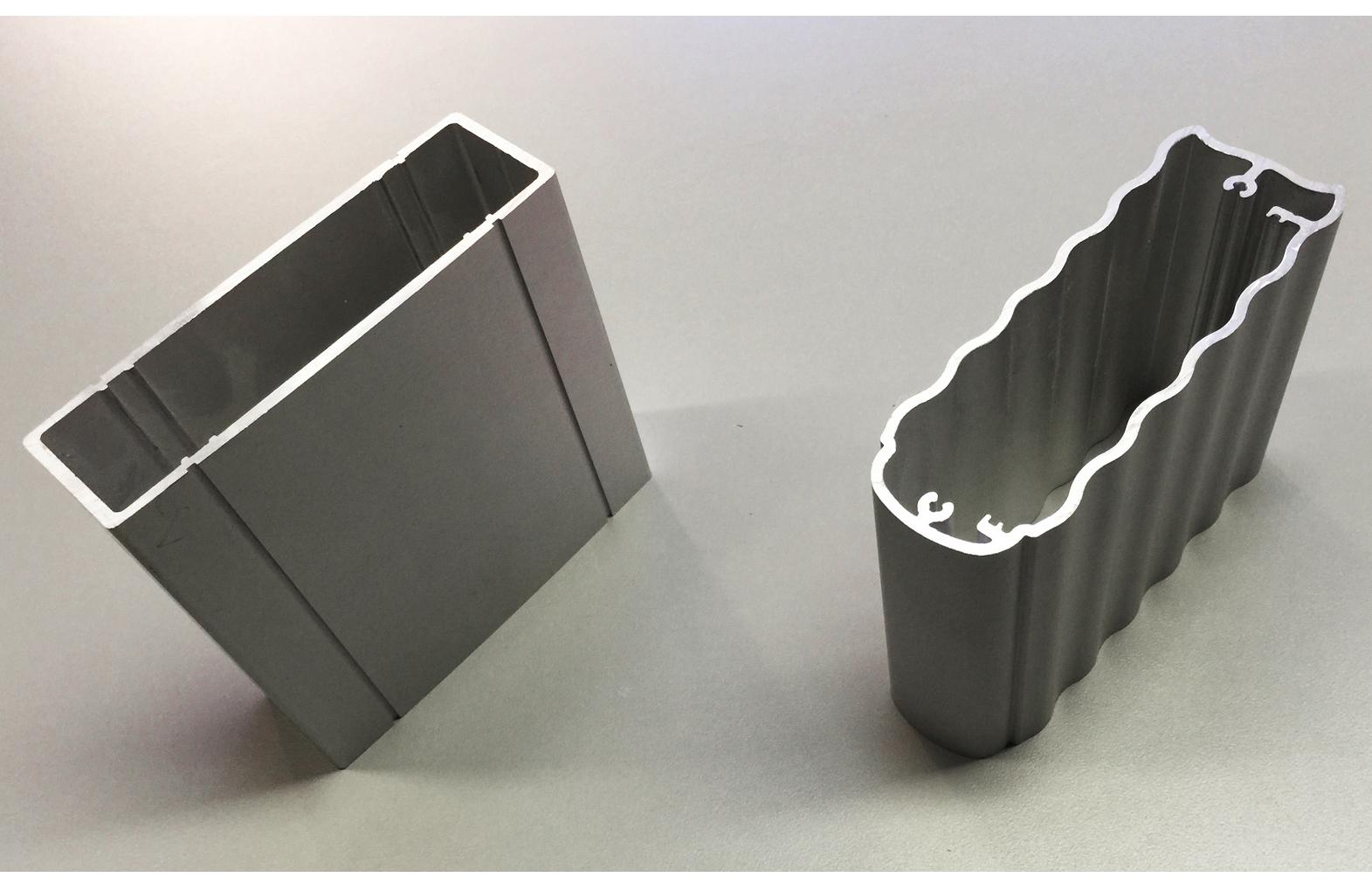 Production Leistungen: zwei Strangpressteile, hergestellt von Constin