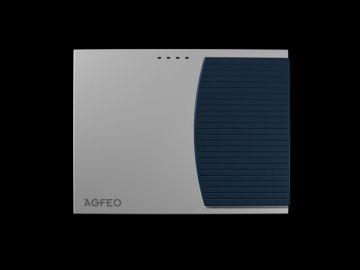 AS 3000, Produktdesign, Konstruktion, CNC-Fraesteile und Vakuumgussteile von Constin, Hier ein Rendering aus SolidWorks, das eine rechteckige, dynamisch gestylte Box in silber und blau zeigt auf schwarzem Hintergrund, Frontsicht