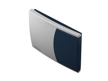 AS 3000, Produktdesign, Konstruktion, CNC-Fraesteile und Vakuumgussteile von Constin, Hier ein Rendering aus SolidWorks, das eine rechteckige, dynamisch gestylte Box in silber und blau zeigt, Perspektive 02