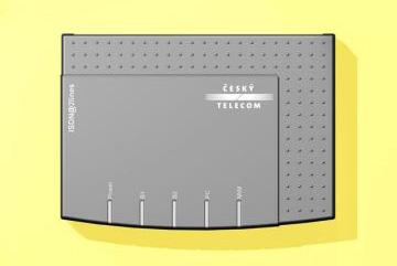 Fritz ISDN@2lines, Produktdesign + Konstruktion + Prototyping (CNC-Fräsen und Vakuumsguss) von Constin, Das Rendering aus SolidWorks zeigt das Kunststoffgehäuse in Draufsicht auf gelbem Hintergrund