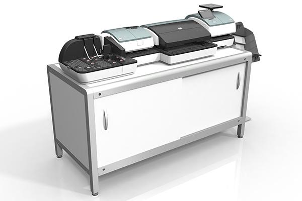 Aktive Rampe für PostBase 100: Produktdesign und Designstudie in SolidWorks von Constin. hier die Rampe integriert in die große PostBase auf einem weißen Unterschrank, Rampe im Vordergrund